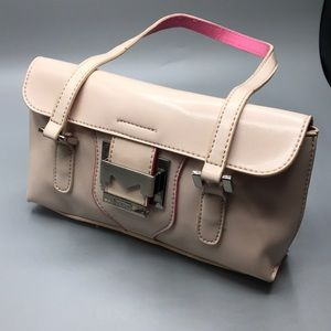 Pink shoulder bag by Mondani